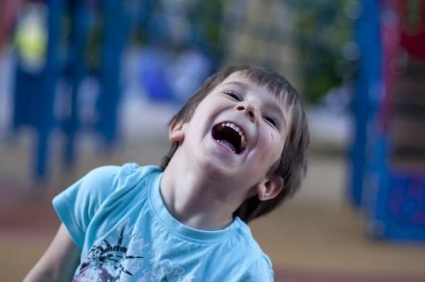 Se libérer des tensions et du mental par le rire !